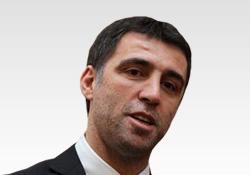 """HAKAN ŞÜKÜR'E YORUMCULUK """"BONUS"""" GELDİ"""