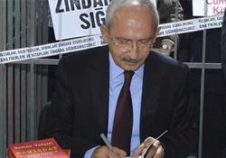 Kılıçdaroğlu TÜYAP'ta Samizdat'ı imzaladı