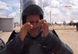 Polisten çadır kentte görevli güvenlikçilere biber gazlı eğitim
