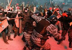 Ukrayna'daki göstericiler kim