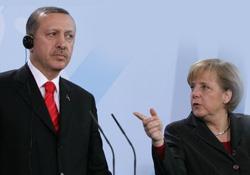 """Erdoğan'a """"öyle değil böyle olur"""" dersi"""