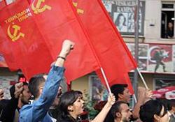 Komünist kadınlar sokağa çıkıyor
