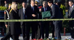 Erdoğan bombalı saldırının yapıldığı yerde