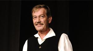 İki bin kez sahnelenen Fehangi Şeyler'i yaratıcısı Ferhan Şensoy Odatv'ye konuştu