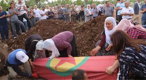HDP yine canlı bombanın cenazesinde