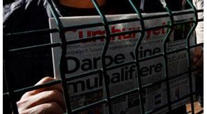 """Aydınlık yazarı Cumhuriyet soruşturmasında """"tanık"""" oldu"""