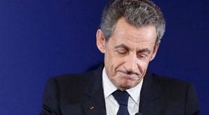 Ve Sarkozy kaybetti