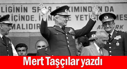 """Kenan Evren Başkanlık teklifini """"diktatör değilim"""" diye reddetmiş"""