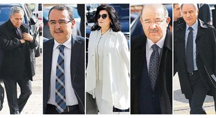 AKP'nin ağır toplarından partiye referandum eleştirisi