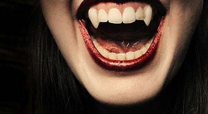 """8 kişiye """"vampirsin"""" linci"""