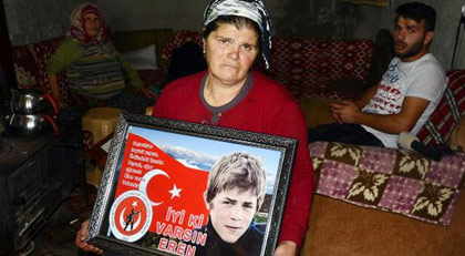 Şehit Eren Bülbül'ün annesi Bakan Soylu'nun sözünü tutmasını bekliyor