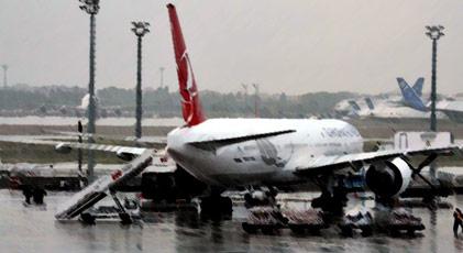 Havalimanında kuş sürüsü alarmı