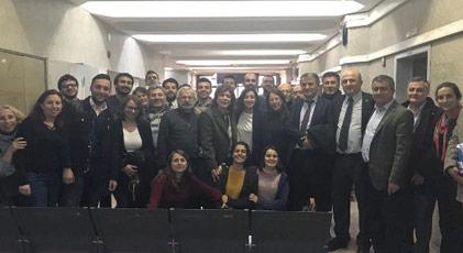 Halkevleri üyeleri serbest
