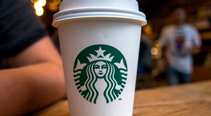 Starbucks 8 bin mağazasını ırkçılık için kapatacak