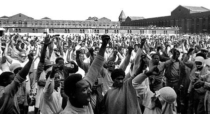 """""""Özgürlükler ülkesi""""nde mahkumlar ayaklandı"""