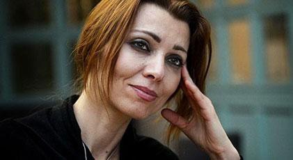 Elif Şafak The Guardian'a yazdı Batı halkın direnmesine yardım etmeli