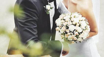 Alaçatı'da serumlu düğün