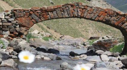 300 yıllık köprü kayboldu