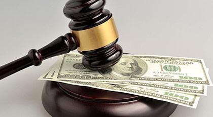 """Sabah yazarı uyardı: """"Vicdan"""" ile """"cüzdan"""" arasında sıkışan mahkemeler"""
