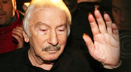 """Cumhuriyet'ten """"keşke İlhan Selçuk'u dinleseydik"""" diyen Hürriyet'e yanıt"""