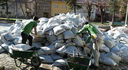 Okullara gönderilen kömürleri de çalmışlar