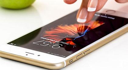 Apple iPhone fiyatlarını düşürdü