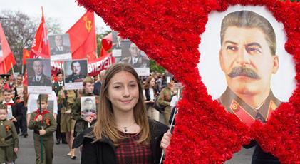 Ruslar Stalin'i istiyor