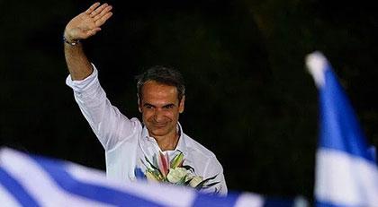 Yunanistan'dan darbe girişiminde bulunan siyasetçiye destek