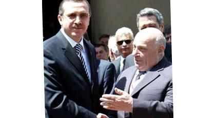 """Denktaş """"Kıbrıs konusunda kandırıldı"""" dediğinde Erdoğan ne cevap vermişti"""