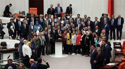 AKP dün gece kendi başarısızlığını onayladı