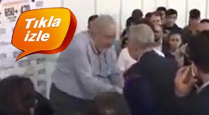 İlber Ortaylı o tarikat liderinin elini neden öptü