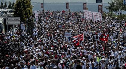 AKP, Adalet Yürüyüşü'ne katılanların telefonlarına casusluk yazılımı mı yükledi