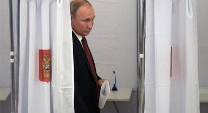 Putin'in sandığından komünistler çıktı