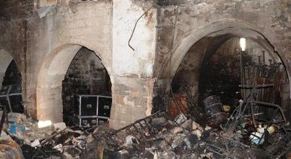 50 yıllık arşiv yangında yok oldu