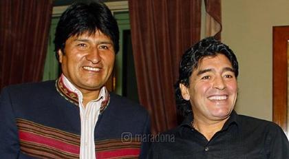 Maradona'dan Morales paylaşımı