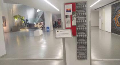 Gazetecinin afiş savaşı