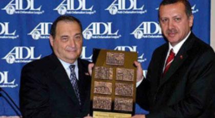 Erdoğan'a cesaret ödülü veren kurumdan dikkat çeken rapor