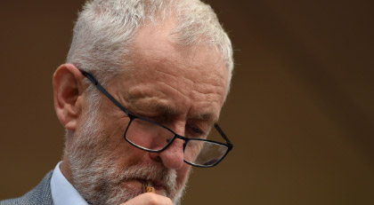 Corbyn'e kim kaybettirdi