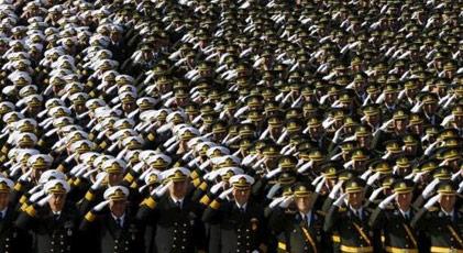 Kadrosuzluktan emekli edilen askerlere garip muamele