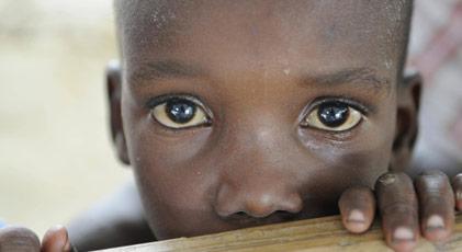 Barış Gücü askerleri yüzlerce çocuğu hamile bıraktı