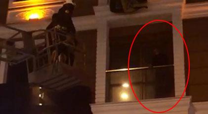 Kumar oynayan adam polisi görünce ne yapacağını şaşırdı