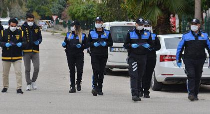 Korona polisleri de vurdu