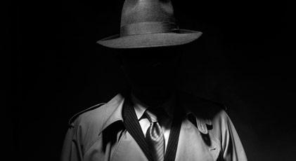 Peşine dedektif taktı