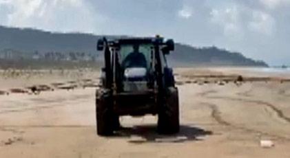 Plajı çamaşır suyuyla yıkatan belediye yetkilisi özür diledi