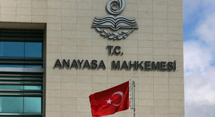 Anayasa Mahkemesi üç OHAL kararnamesini iptal etti