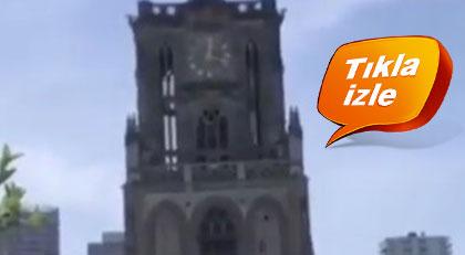 """İzmir'de cami provokasyonu tartışılırken Hollanda'daki kilisede """"Uzun İnce Bir Yoldayım"""" çalındı"""