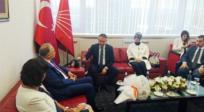 """Bayramlaşma töreninden iktidar analizi: """"AKP'nin durduğu pozisyonda bugün CHP var"""""""