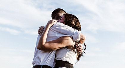 Birbirimize ne zaman sarılabileceğiz