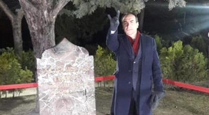 Alparslan Türkeş'in oğlundan Babalar Günü mesajı: Sana ihanet ve hakaret edenleri MHP genel merkezinde oturtanlar var