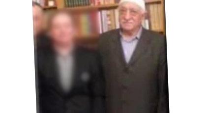 Gülen'le fotoğraf çektiren gazeteci 500 bin TL istedi
